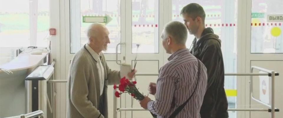 Петербургские христиане поздравили ветеранов с Днём Победы