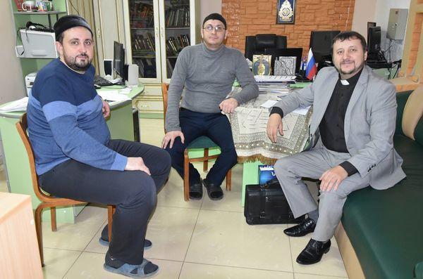 Пастор Сергей Киреев рассказал пензенским имамам о протестантизме