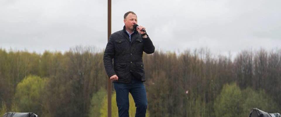 Пастор Андрей Гусев исполнил фронтовые песни в Костромской синагоге и на городском фестивале