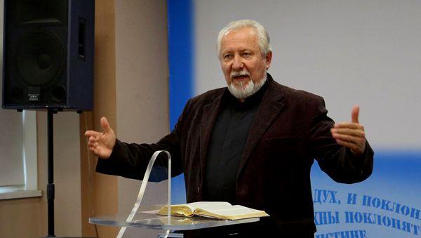 Епископ Сергей Ряховский поздравил выпускников программы «Восхождение»