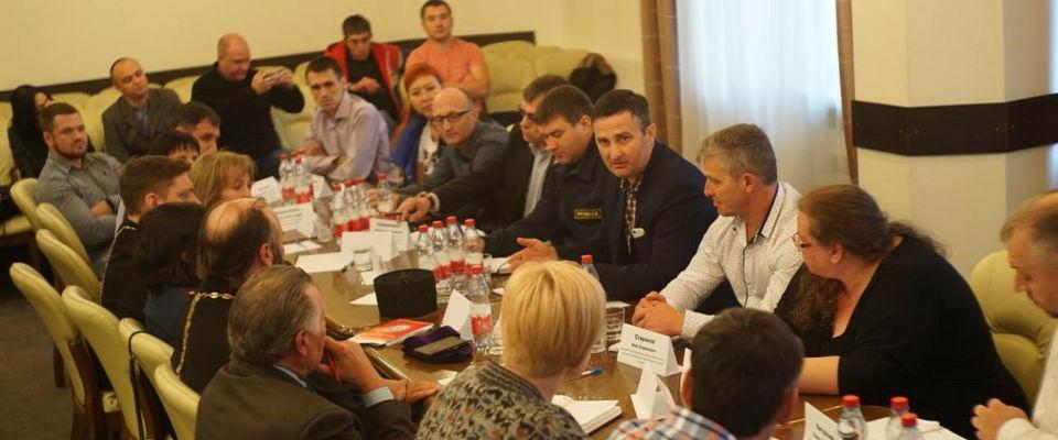 В Новосибирске представители конфессий и власти обсудили проблемы адаптации бывших осужденных