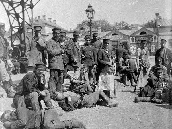 Историк Елена Белякова о кризисе народной религиозности накануне революции 1917 года