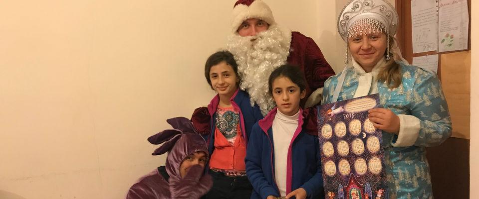«Рождественская Елка Ангела» набирает популярность в Абхазии благодаря российским служителям