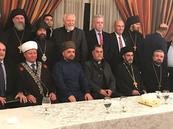 Священнослужители России привезли гуманитарную помощь в Сирию