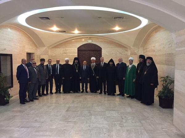Межрелигиозная делегация из России посетила Парламент Сирии и мечеть Омейядов