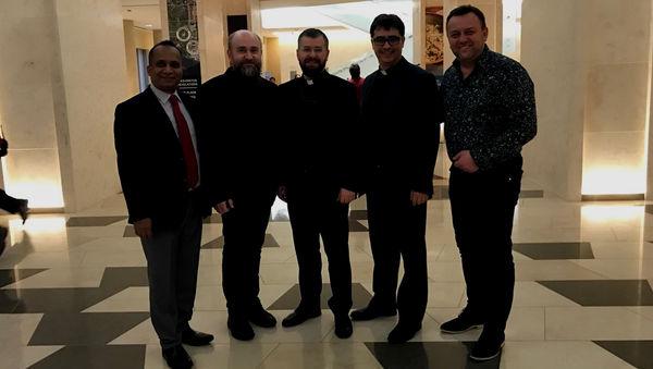 Священнослужители РОСХВЕ начали участие в программе молитвенного завтрака… с молитвы