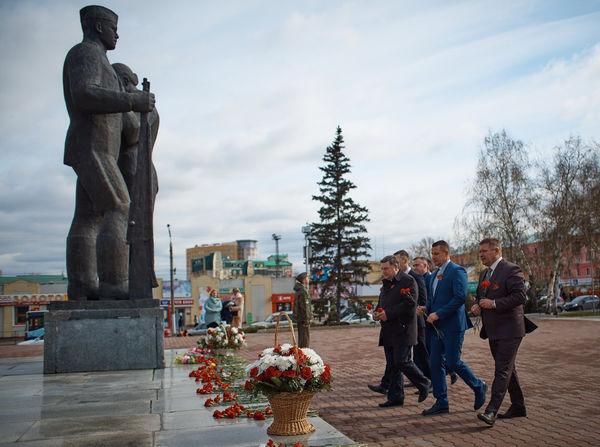 Пасторы евангельских церквей Барнаула возложили венки у Вечного огня