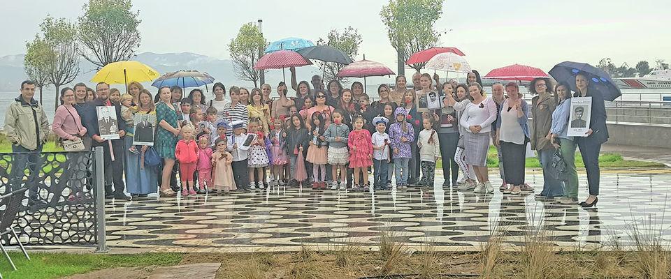 В Измире прошло ежегодное шествие Бессмертного полка