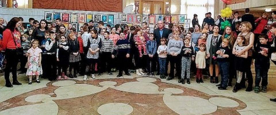 Кукольный спектакль «Карлик Нос» в Новосибирске посетили 165 детей-инвалидов