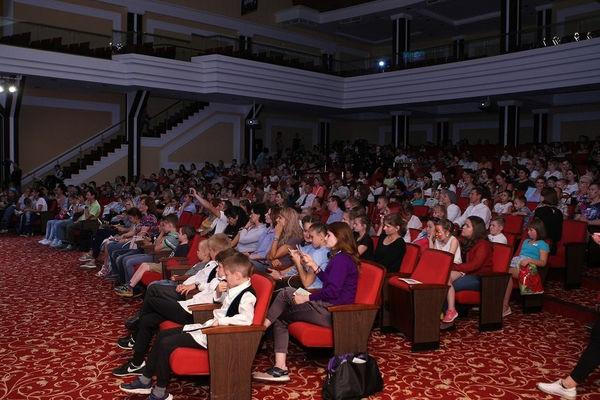 Праздник ко Дню знаний в «Благой вести» собрал 500 гостей