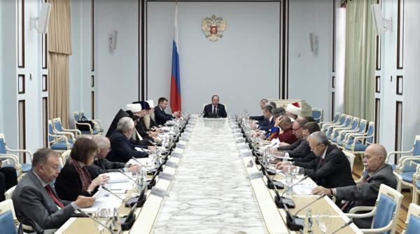Епископ Сергей Ряховский рассказал на Президентском совете о работе с молодежью