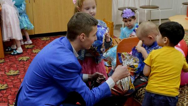 Фонд «Преображение» поздравил детей-сирот с Новым годом