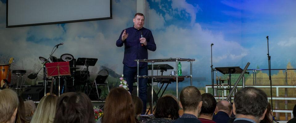 Епископ Владимир Ашаев провел в Ростове-на-Дону пророческую конференцию