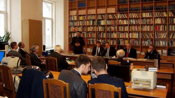 Епископ Сергей Ряховский подписал декларацию к юбилею Ивана Проханова на конференции в Институте Европы РАН