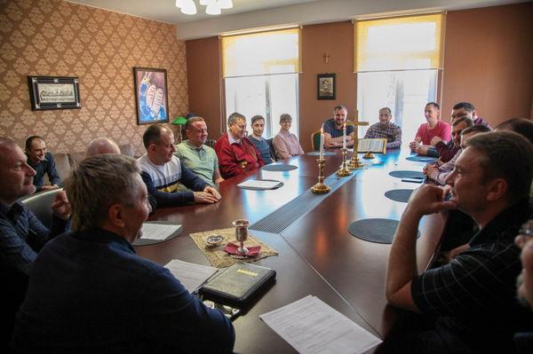 В Иркутске пришло совместное причастие пасторов церквей