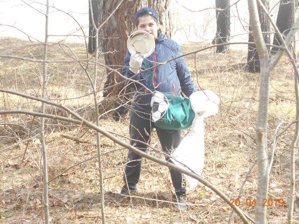 «Царские Охотники» убрали мусор в Калужском бору