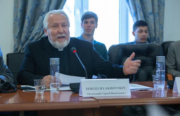 Епископ Сергея Ряховский: «Без библейского подхода проблему загрязнения природы не решить»