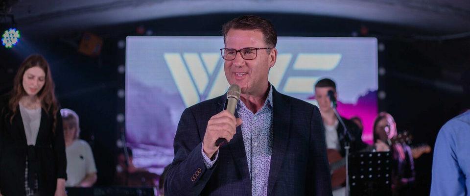 В Новосибирске состоялась конференция Wave19 с пророком из Великобритании