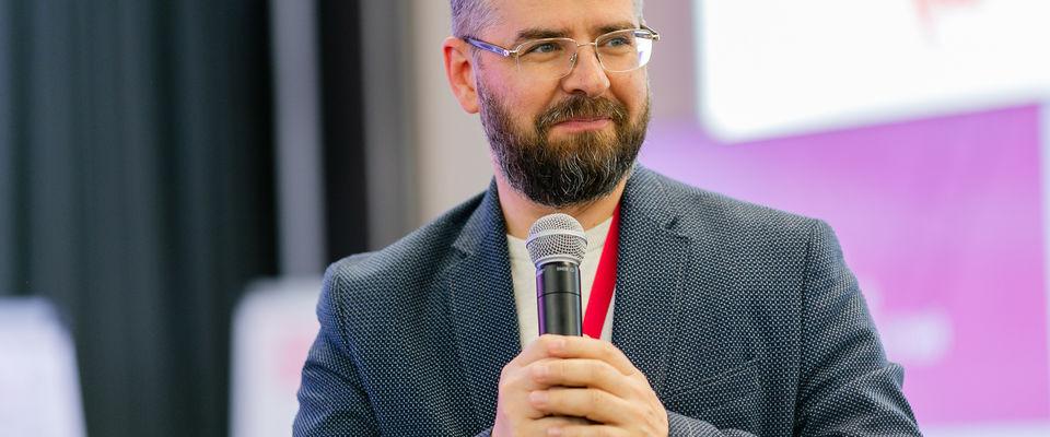 Епископ Константин Бендас выступил в Сколково на тему «социальных лифтов»