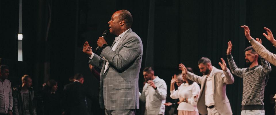 Пастор Генри Мадава: «Это единство сотворил Бог…»