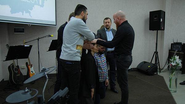 Cердце отца: новая церковь или раскол? «Завет» открывает небеса